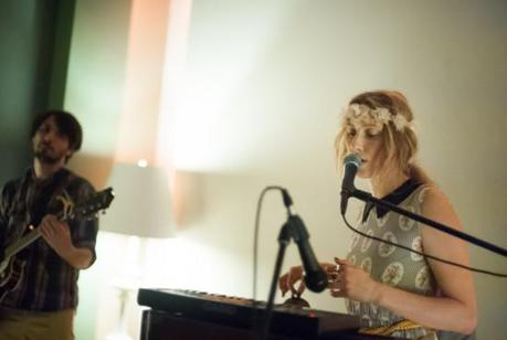SydneyWayser 8 550x369 SYDNEY WAYSER CELEBRATED HER NEW ALBUM WITH AN INTIMATE SHOW [PHOTOS]
