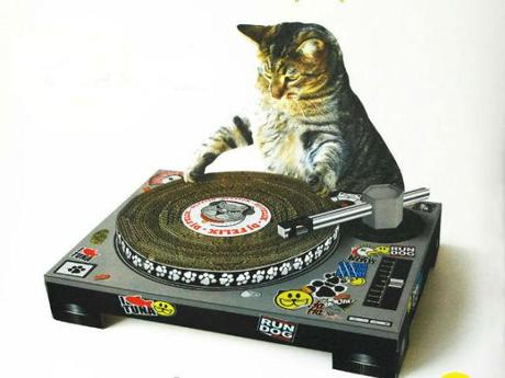 DJ Scratching Pad For The Hippest Cats In The Hood