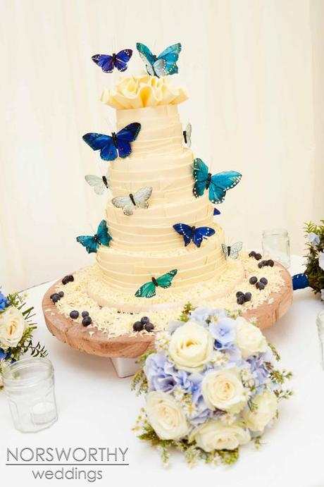 A Wedding Cake Spectacular: 14 Contemporary Cake Ideas - Paperblog