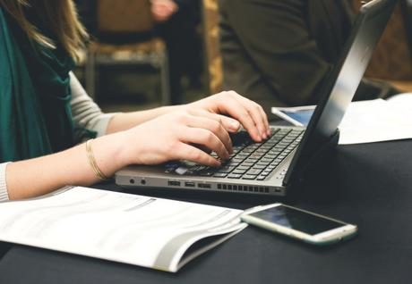 Benefits that Online Writing Services Offer Their Clients