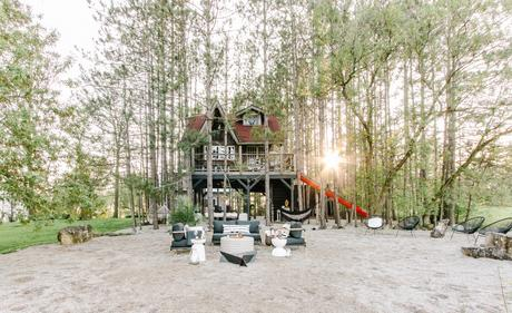 Treehouse + Cabin Tour : A BEAUTIFUL MESS