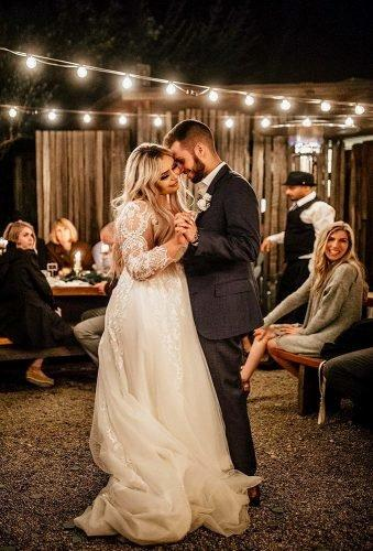 first dance wedding shots dance under lamps chrisandruth
