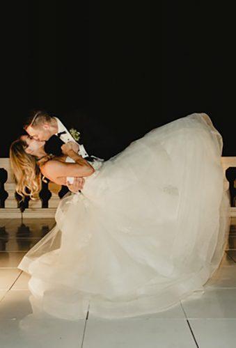first dance wedding shots dip pose kiss michelleprunty