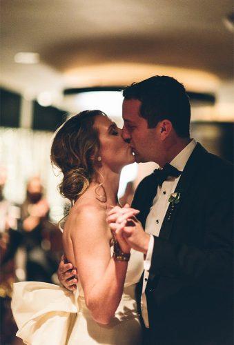 first dance wedding shotstender kiss vitaeweddings