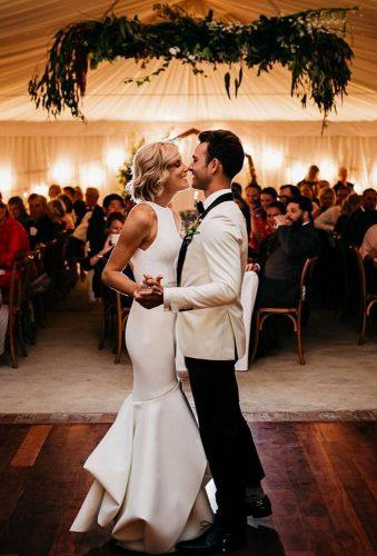 first dance wedding shots eye to eyes adamlevibrownephotography