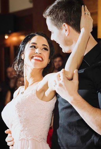 first dance wedding shots happy bride melinaalexandraart