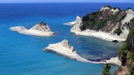Rent a car Corfu: what to know before your vacation