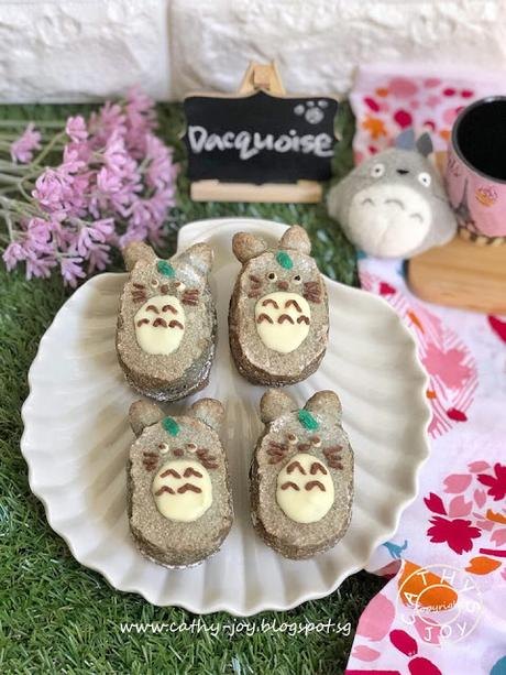 Totoro Dacquoise