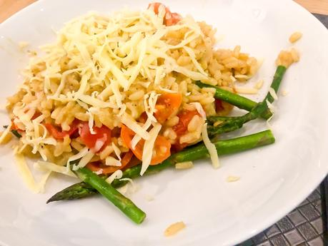 Tomato and asparagus risotto