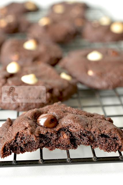 thick soft chewy dark chocolate chocolate chip cookies