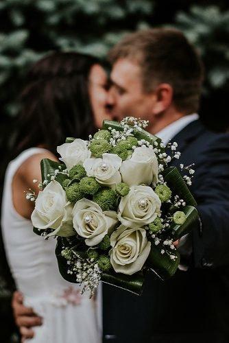 unique wedding ceremony script bride and groom kissing