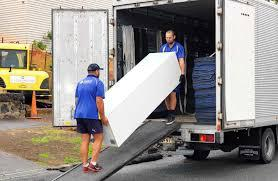 4 Things to Know About Using a Professional Moving Company