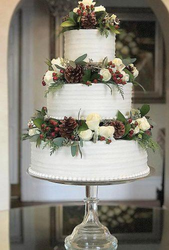 winter wedding cakes big cake with pine cones mysweetcakes