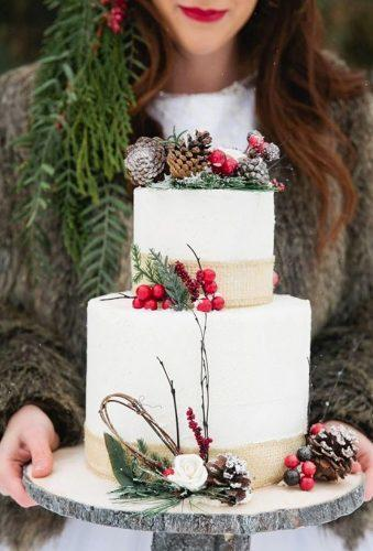 winter wedding cakes cake with berry dreammweddings