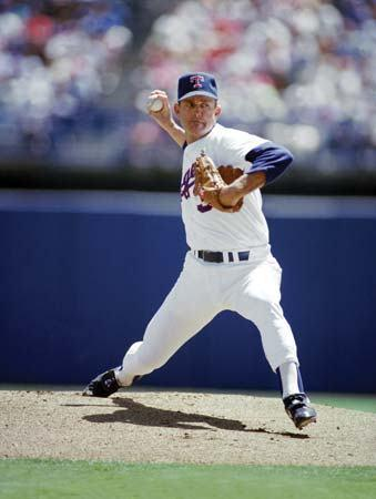 This day in baseball: Nolan Ryan joins the Rangers