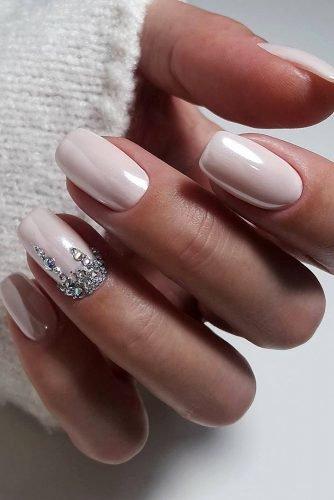 bridal nails trends white silver rhinestones original design elinanailsart