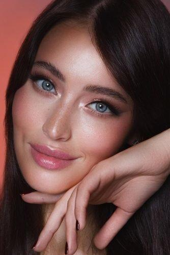 bridal makeup trends natural blush tones elegant pink lips with long lashes for brunette long lashes vizagistvaleria