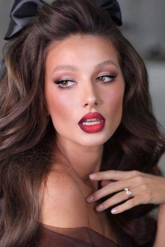bridal makeup trends ombre red bold lips with long lashes and light pink smokey eyes yana.yasnaya