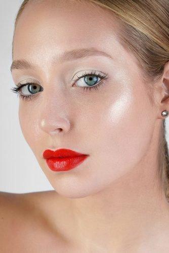 bridal makeup trends highlight skin white eyeshadows bright red lips vizagistvaleria