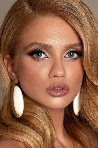 bridal makeup trends healthy shine highlight skin blush black arrows gold eyeshadows gold eyeshadows tominamakeup