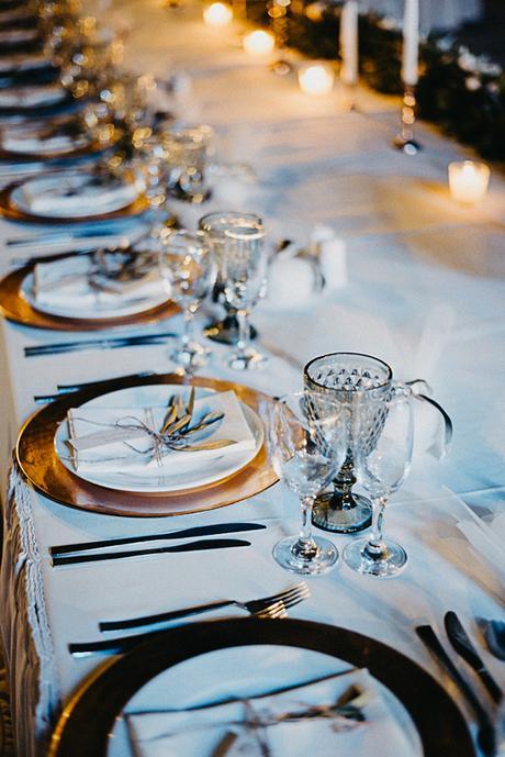 summer-wedding-olives-white-flowers_26