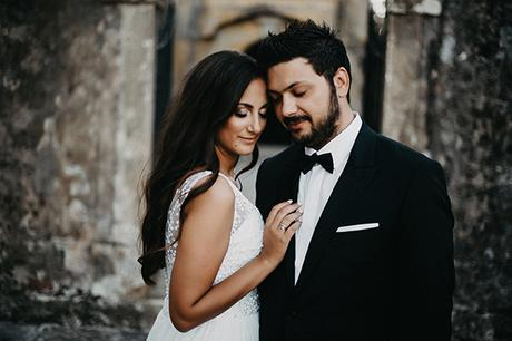 summer-wedding-olives-white-flowers_31