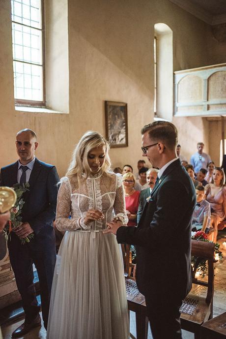 romantic-wedding-slovenia-rustic-natural-elements_12