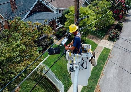 5 Things to Consider Before Hiring a Reliable Electrician