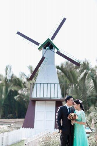 wedding venue ideas newlyweds near the windmill