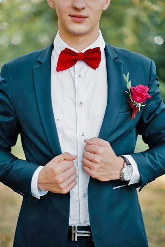 groom's attire details 4