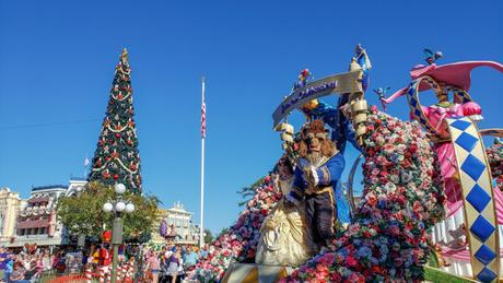 The Pros and Cons of Visiting Disney World at Christmas