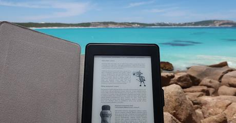 Image: Kindle on the Beach, by Eknizky on Pixabay
