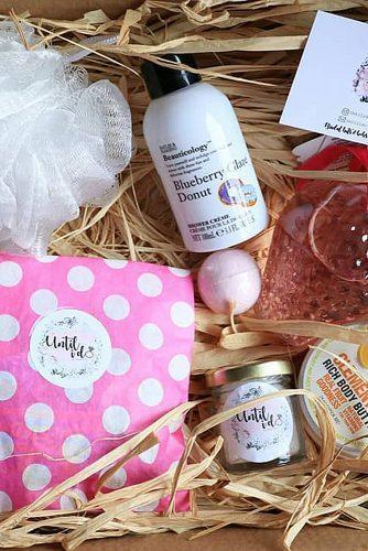 bachelorette party gifts bath set box
