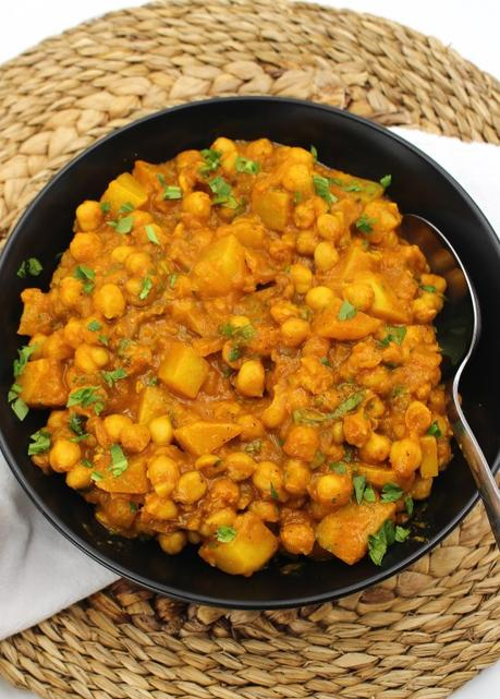 Chickpea and Potato Curry #EattheWorld