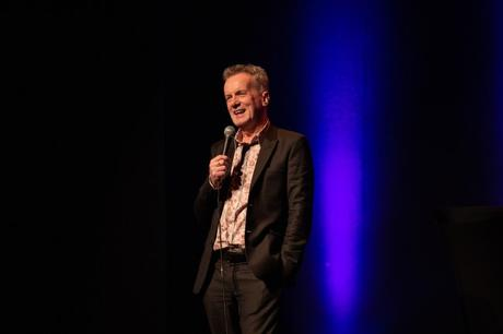 5 things to do today at the Frank Skinner Showbiz show – Garrick Theatre, London