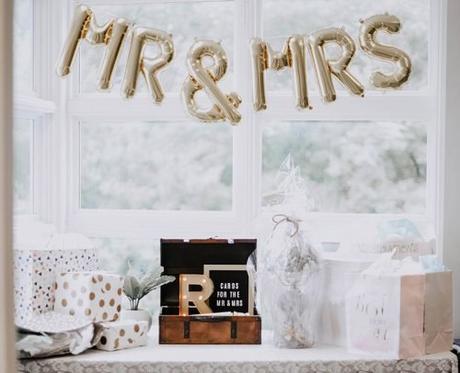 small wedding party wedding balloons decor