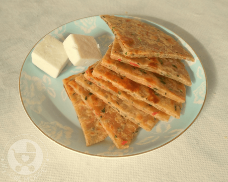 Parathas make excellent finger foods for babies, and are also a good way to introduce healthy ingredients! Make this paneer vegetable paratha for your kids - for breakfast, lunch or dinner!