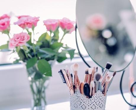 average price for wedding hair and makeup brushes bouquet