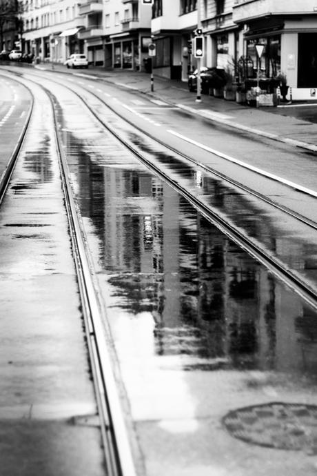 Liquid tracks