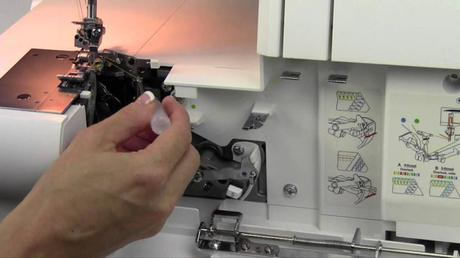 Clean-Sewing-Machine