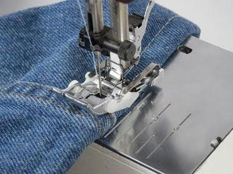 How-to-Hem-Jeans-Pants-with-Sewing-Machine