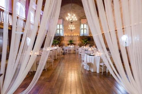 Candlelit autumn wedding decor
