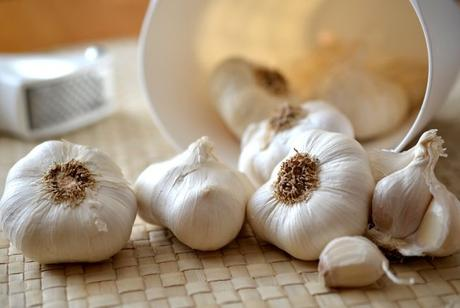 15 Surprising Health Benefits of Drinking Garlic Juice You'll Wish You'd Known