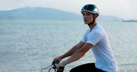 The First Fully Reflective Bike Helmet Is Gaining Ground On Indiegogo