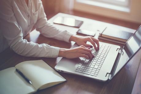 Which Online Platform Should I Use to Begin My Blogging Journey?