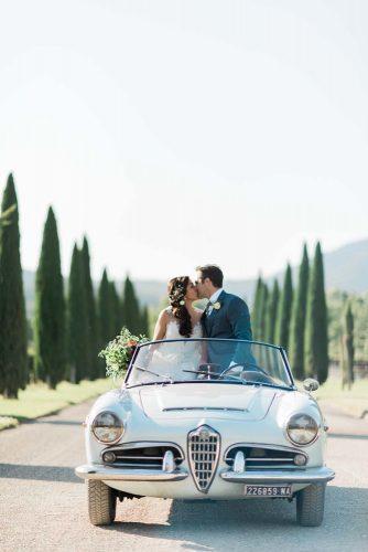 wedding exit photo ideas vintage car laurenmichelle