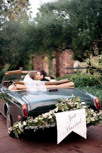 wedding exit photo ideas car with sign honeyfitzevents