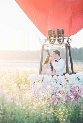 wedding exit photo ideas red ballon with many flowers Elena Koshkina