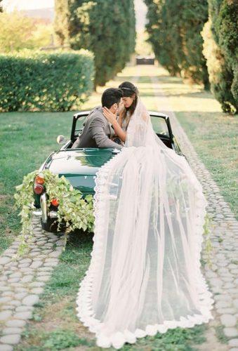 wedding exit photo ideas greencar long veil thecablookfotolab