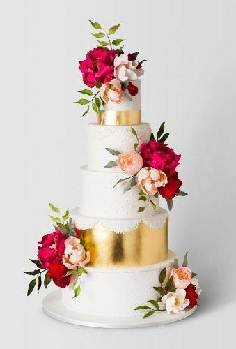 simple elegant chic wedding cakes floral cake with gold cake ink